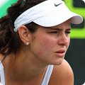 Julia Goerges team logo